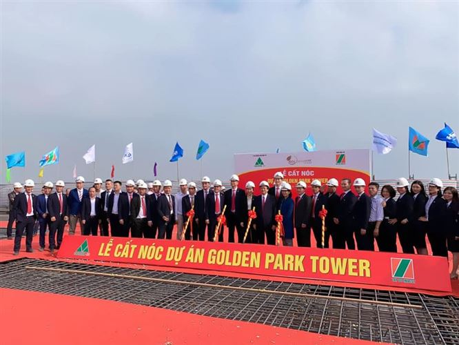 Công ty  CONSTREXIM - HOD cất nóc tòa nhà Golden Park Tower