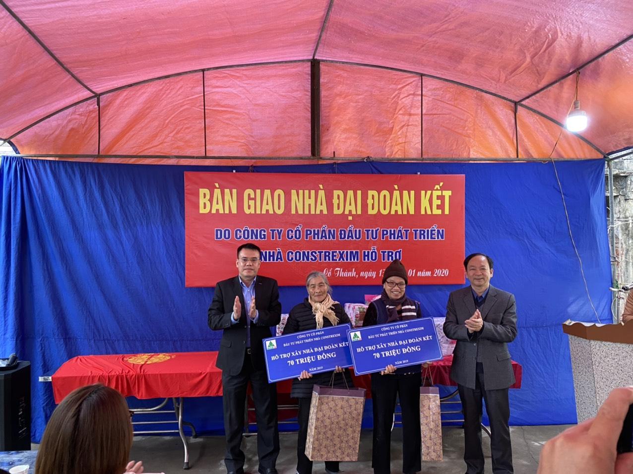 Trao tặng nhà đại đoàn kết cho các gia đình có hoàn cảnh khó khăn tại thành phố Chí Linh, tỉnh Hải Dương năm 2020